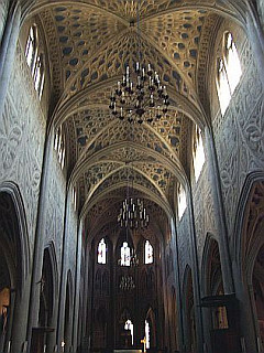 Nave (with trompe-l'oeil) of the cathedral