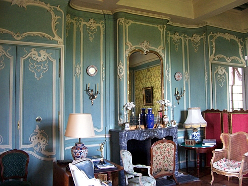 Fléchères castle - Room decorated in rococo style