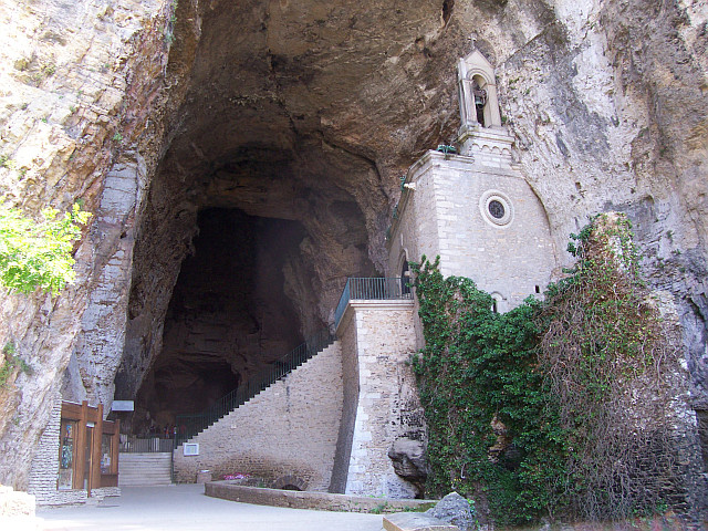 Balme caves - Chapel