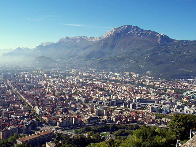 Grenoble, at the foot of Vercors