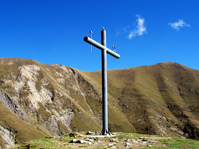 Picture La Salette Cross With Hammer And Pliers
