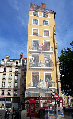Trompe-l'oeil - Lyonnais' fresco from one side