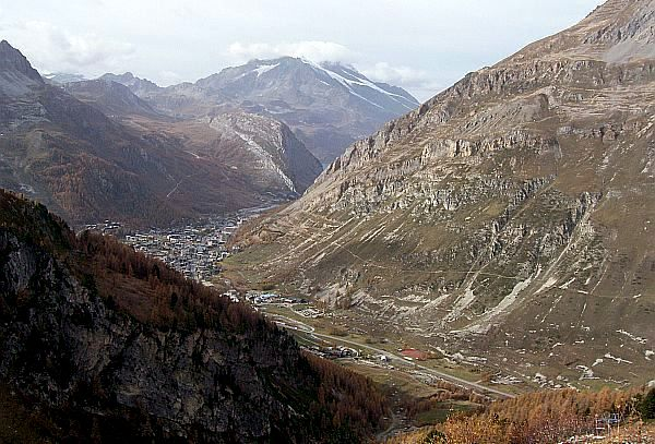 Vanoise - Scenery on the road to pass of Iseran (view 2)